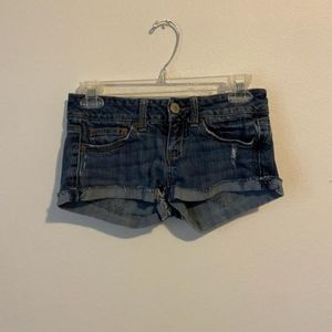 American Eagle low waisted jean shorts